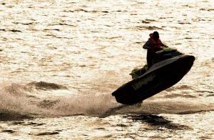 Esta Navidad regala experiencia en moto de agua. Rutas guiadas de 1 hora con monitor