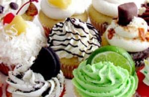 Caja de 6 unidades  de cupcakes variados o galletas con personajes o fotografías