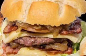 Completo menú de hamburguesas para dos